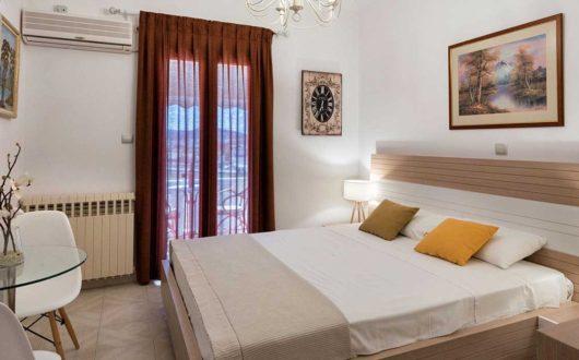 Economical studios and rooms in Paros