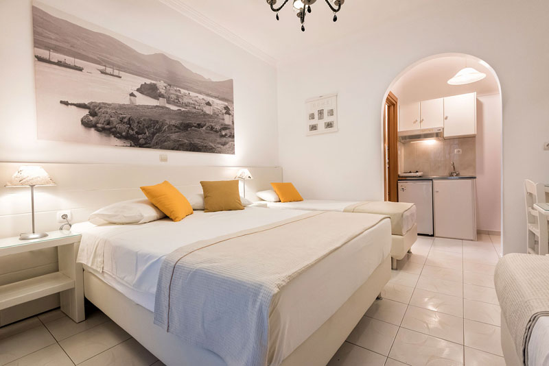 Studio for 4 adults in Paros – Panos Luxury Studios